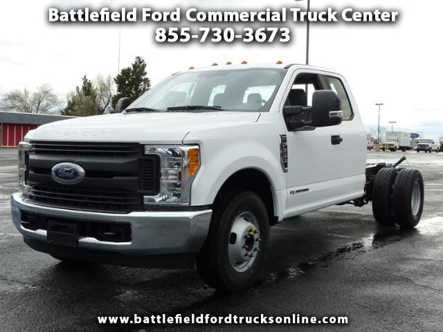 2017 Ford F-350 SD SuperCab 4x2 XL