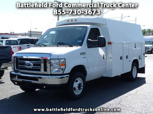 2017 Ford F-350 SD Commercial Cutaway w/11' Utility Body