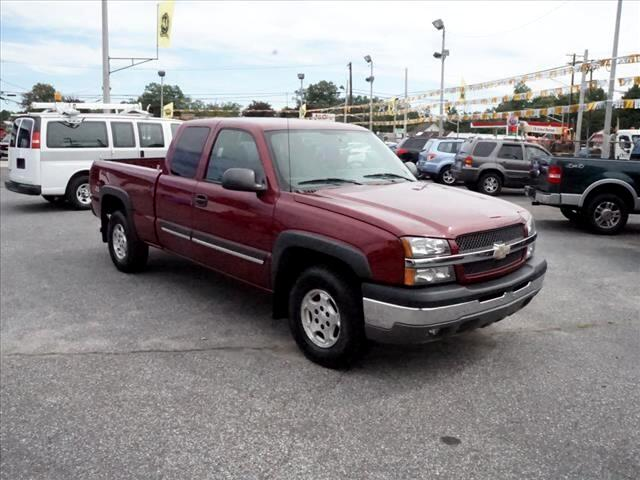 2004 Chevrolet Silverado 1500 LS Ext. Cab Long Bed 4WD