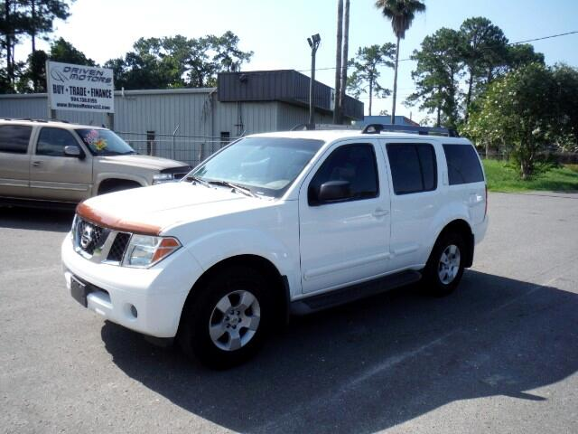 2005 Nissan Pathfinder LE 2WD