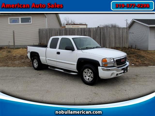 2006 GMC Sierra 1500 SLE Ext. Cab 4-Door Short Bed 4WD