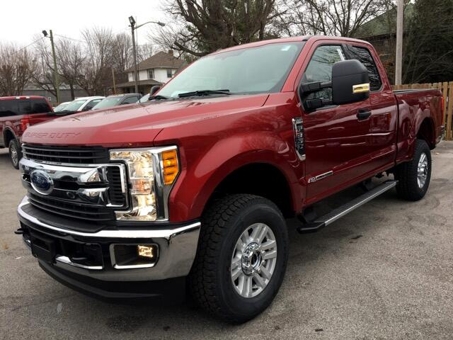 2017 Ford F-350 XLT SuperCab 4WD Short Bed