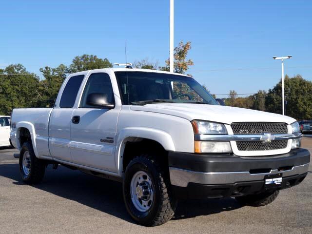 2004 Chevrolet Silverado 2500HD LT Ext. Cab Short Bed 4WD