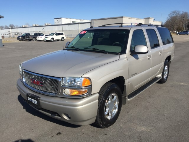 used 2004 gmc yukon denali xl for sale in pinckneyville il 62274 moore brothers auto sales of. Black Bedroom Furniture Sets. Home Design Ideas