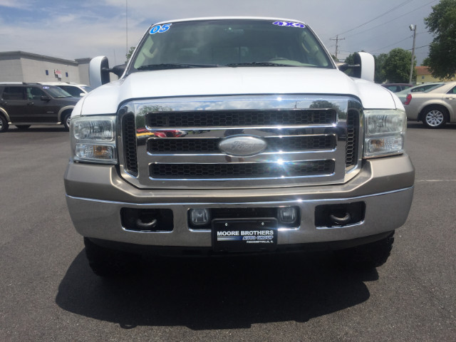 2005 Ford F-250 SD King Ranch Crew Cab Short Bed 4WD