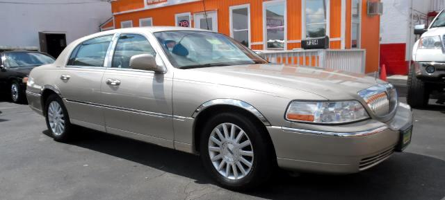 2004 Lincoln Town Car Visit Guaranteed Auto Sales online at wwwguaranteedcarsnet to see more pictu