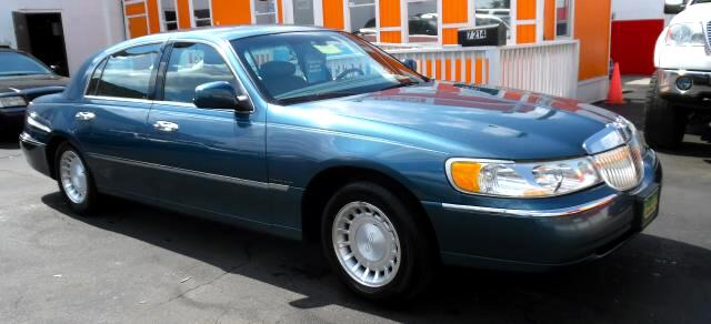 2002 Lincoln Town Car Visit Guaranteed Auto Sales online at wwwguaranteedcarsnet to see more pictu