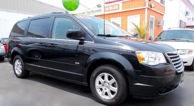 2008 Chrysler Town  Country Visit Guaranteed Auto Sales online at wwwguaranteedcarsnet to see mo