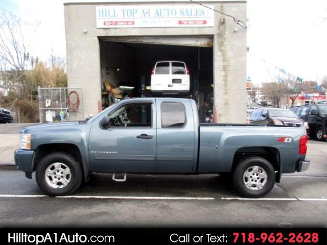 2007 Chevrolet Silverado 1500 Z71 LT Extended Cab Short Bed 4WD Pickup Truck