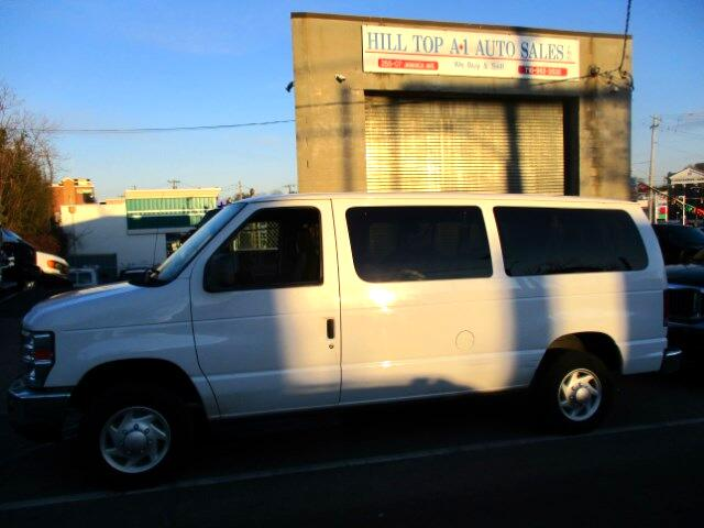 2009 Ford Econoline E-350 Club Wagon XLT Passenger Van
