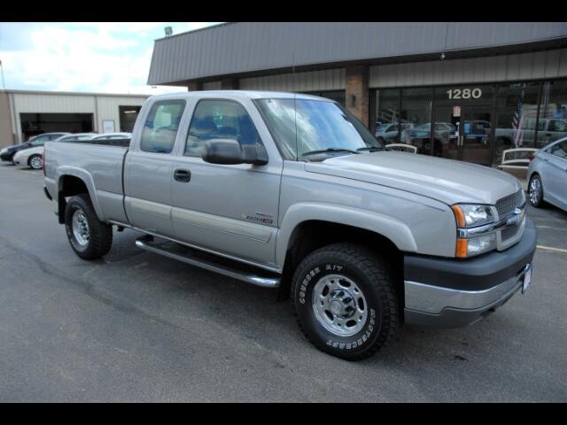 2004 Chevrolet Silverado 2500HD LS Ext. Cab Short Bed 4WD