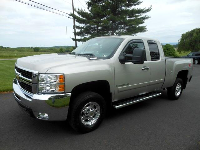 2008 Chevrolet Silverado 2500HD LT2 Ext. Cab Std. Box 4WD