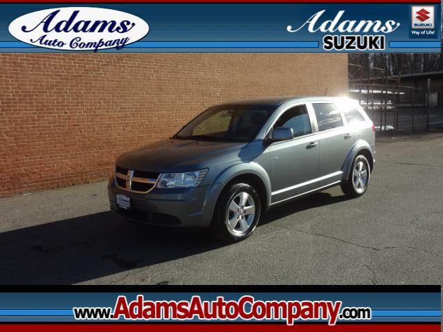 2009 Dodge Journey Get a GREAT BUY on this family SUVPriced to move fastNicely equippedGr