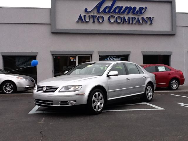 2004 Volkswagen Phaeton Rare isnt the word when talking about a PhaetonA treat to own This is