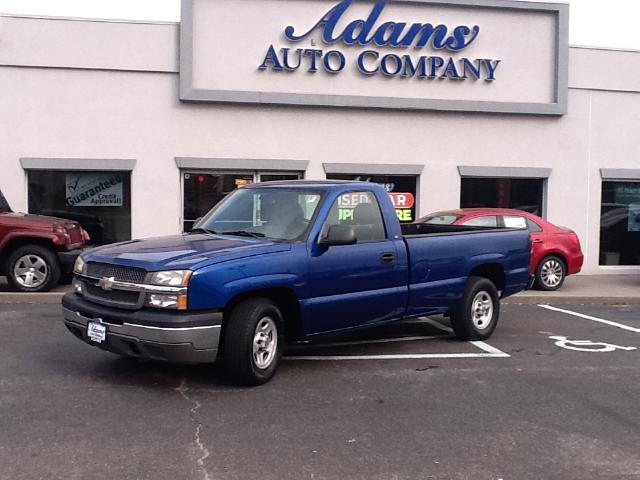 2004 Chevrolet Silverado 1500 If youve been looking for just the right truckWELL Here it i