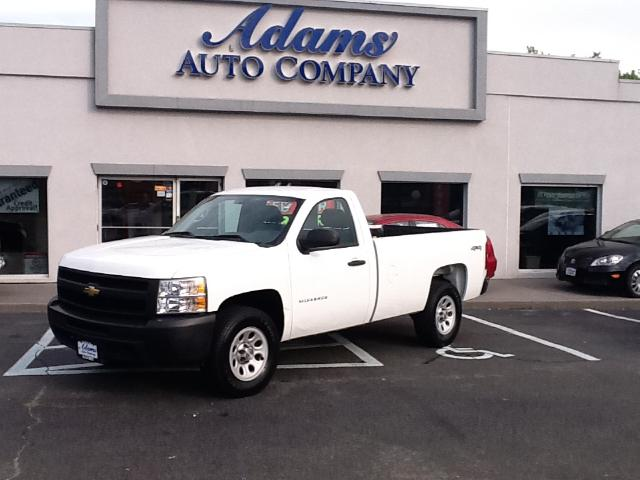 2010 Chevrolet Silverado 1500 Heres that 4x4 youve been looking forLocal well maintained and pr