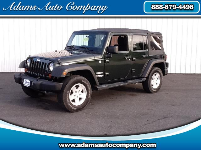 2011 Jeep Wrangler WOWHeres a GREAT BUY6 SPEED-4DRS ARE RARE Just put all NEW CARPET