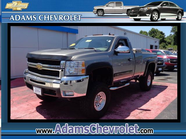 2007 Chevrolet Silverado 2500HD This vehicle is another example of the Adams Auto Company commitment