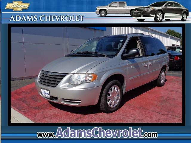 2006 Chrysler Town  Country Adams Chevrolet where customer satisfaction is our number 1 priority is
