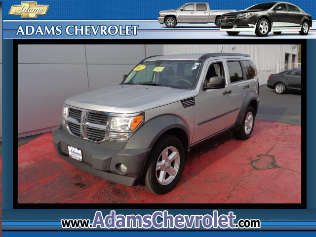 2007 Dodge Nitro 4WD Get ready for winter Take your hand off the mouse because this handsome 2007