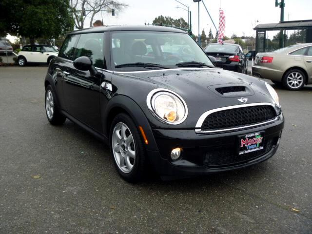 2010 MINI Cooper Extended service Plan And Finance Available Please bring this ad with you to get t