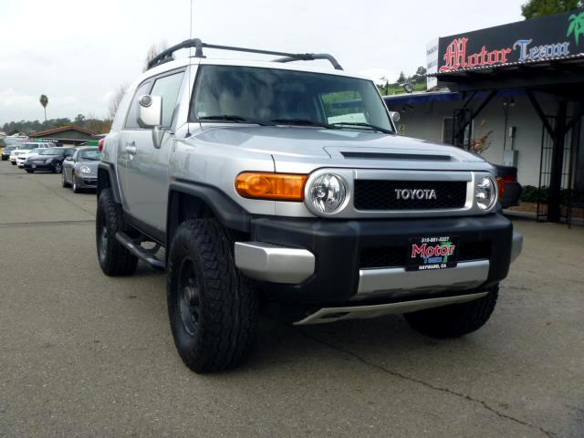 2007 Toyota FJ Cruiser Extended service Plan And Finance Available Please bring this ad with you to