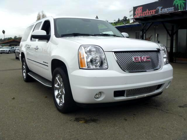 2009 GMC Yukon Denali Extended service Plan And Finance Available Please bring this ad with you to