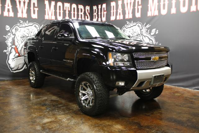 2011 Chevrolet Avalanche Z71 BDS Suspension LIFTED