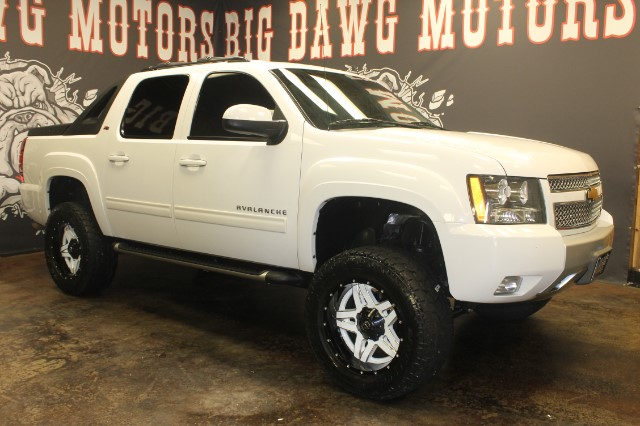 2012 Chevrolet Avalanche LT 4WD Z71 LIFTED