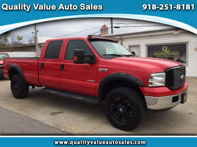 2006 Ford F-350 Crew Cab XLT 4x4 Single Rear Wheel