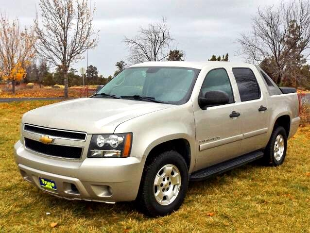 2009 Chevrolet Avalanche LS 4WD LOW MILES RARE FIND