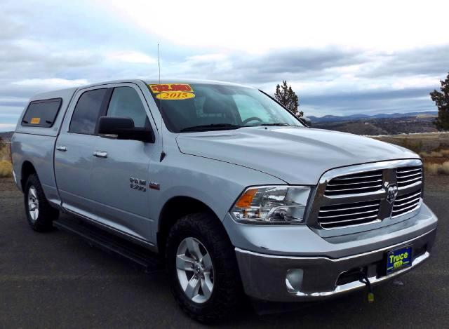 2015 RAM 1500 SLT Crew Cab 4WD LOW MILE ONE OWNER