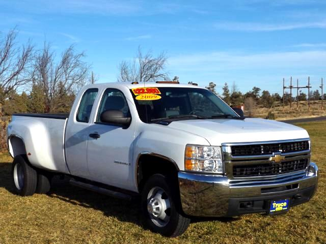 2009 Chevrolet Silverado 3500HD Work Truck Ext. Cab DRW 4WD LOW MILE DUALLY TRUCK