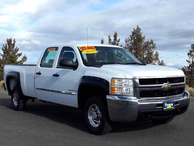 2009 Chevrolet Silverado 2500HD Crew Cab Long Bed 4WD LOW MILES