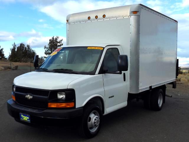 2009 Chevrolet Express G3500 LOW MILE BOX TRUCK