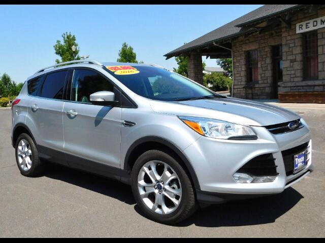 2016 Ford Escape Titanium 4WD LOW MILES - ONE OWNER