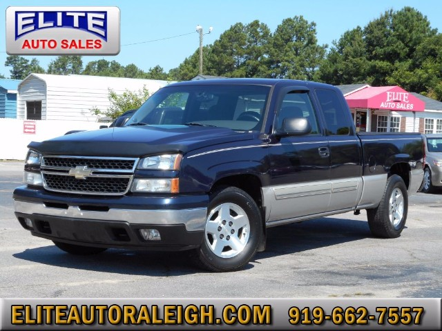 2006 Chevrolet Silverado 1500 LT2 Ext. Cab Short Bed 2WD