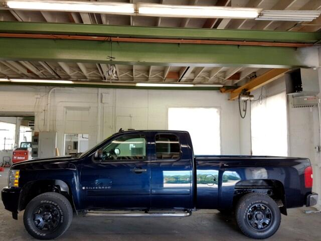 2008 Chevrolet Silverado 1500 Ext. Cab 4WD
