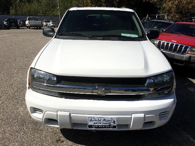 2004 Chevrolet TrailBlazer LS 2WD