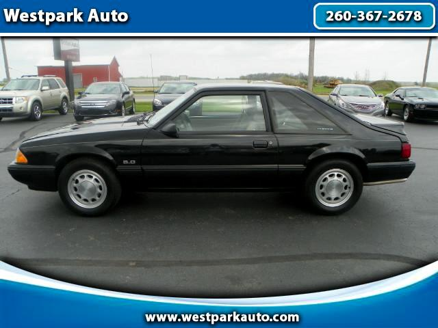 1990 Ford Mustang LX 5.0L hatchback