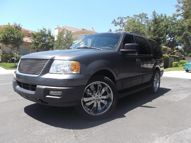 2004 Ford Expedition Join our Family of satisfied customers We are open 7 days a week trade in welc