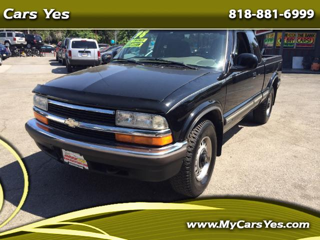 1998 Chevrolet S10 Pickup WOW CHECK THIS ONE OUT ONLY 84K MILES LIKE NEW 4 WHEEL DRIVE Join our Fami