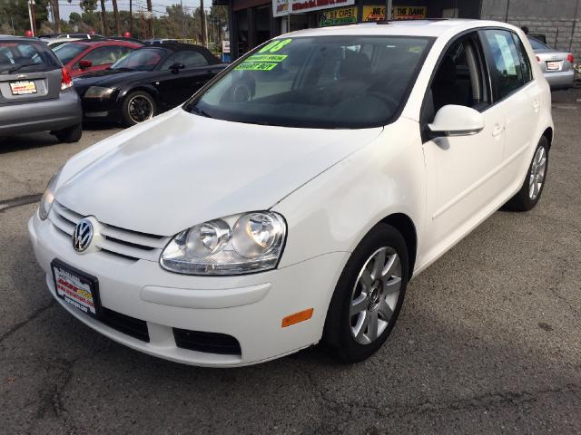 2008 Volkswagen Rabbit Join our Family of satisfied customers We are open 7 days a week trade in we