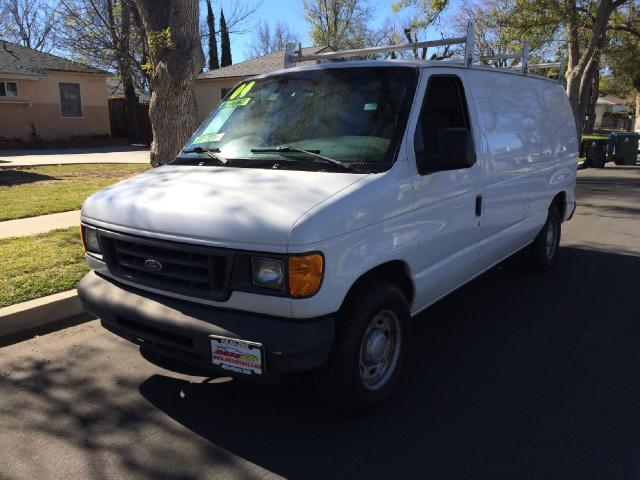 2004 Ford E-Series Van Join our Family of satisfied customers We are open 7 days a week trade in we