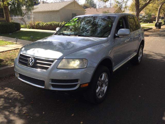 2004 Volkswagen Touareg Join our Family of satisfied customers We are open 7 days a week trade in