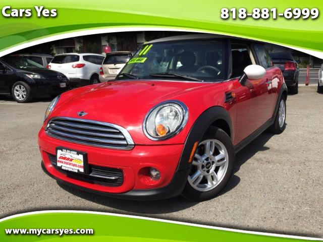 2011 MINI Cooper WOW CHECK THIS MINI OUT LEATHER WITH AUTO AND DOUBLE SUNROOF LIKE NEW GAS SAVER CA