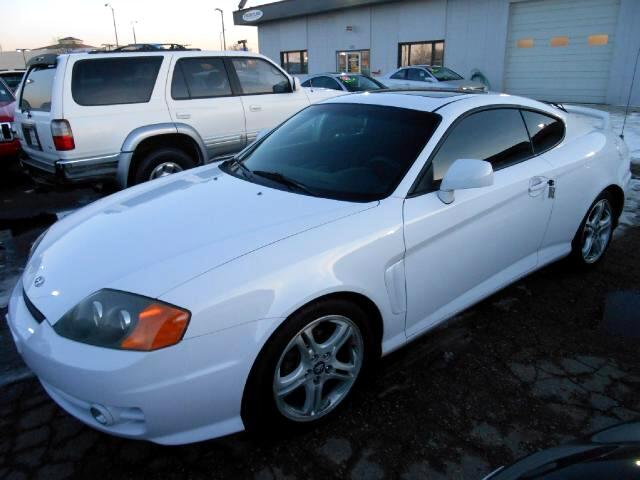 2004 Hyundai Tiburon MUST SEE LOCAL NEW CAR TRADE IN THAT LOOKS AND DRIVES EXCELLENTNON SMOKER