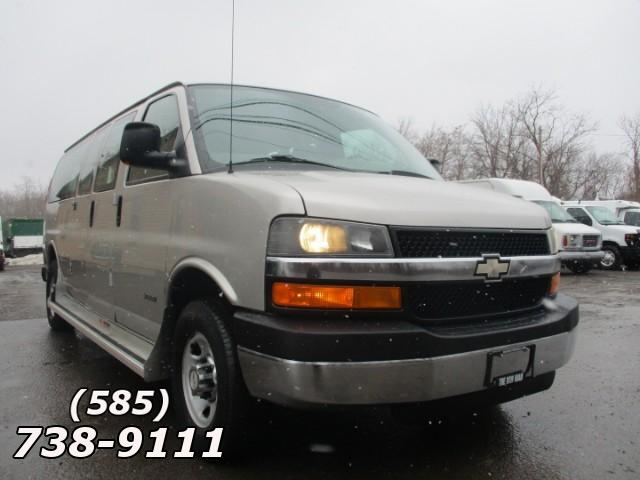 2006 Chevrolet Express 3500 Extended