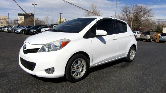 2013 Toyota Yaris LE 5-Door AT