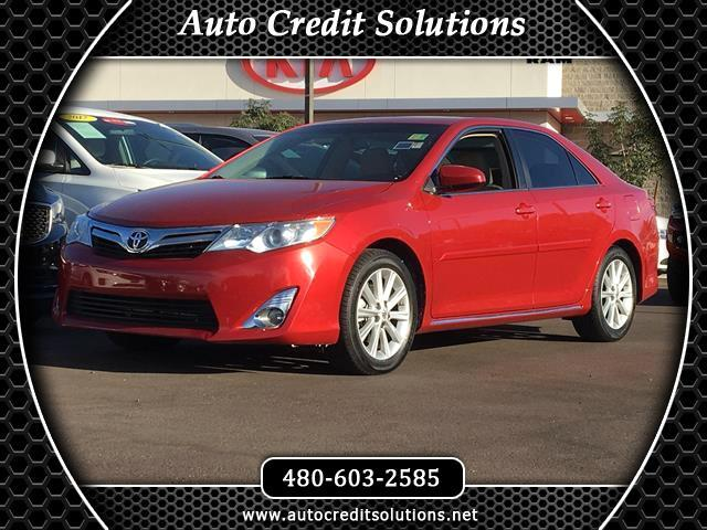 2013 Toyota Camry This 2013 Toyota Camry XLE sedan includes traction control stability control ABS